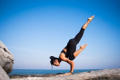 yoga-strength-people-2587066-otigpjq775vo5dt8irhe3fvcvsg0dgb8ag2nqeqr64